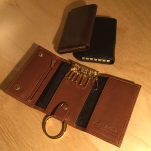 Deluxe Valet Key Case w/Zip Change Pocket & Cards L0166 – Retail Price Shown Below